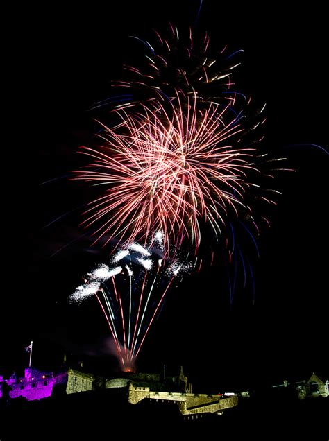 tattoo edinburgh fireworks joe gilhooley photography edinburgh tattoo fireworks 2013