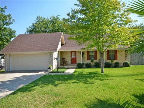 homes for sale in hutto tx