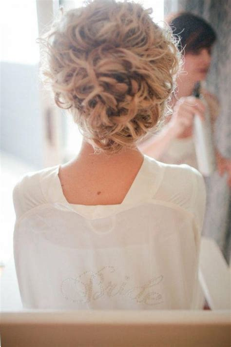 Wedding Hairstyles For Naturally Curly Hair by Curly Wedding Updo Hairstyles How To