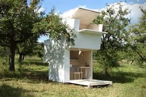 Decoration For Home cabane jardin bois