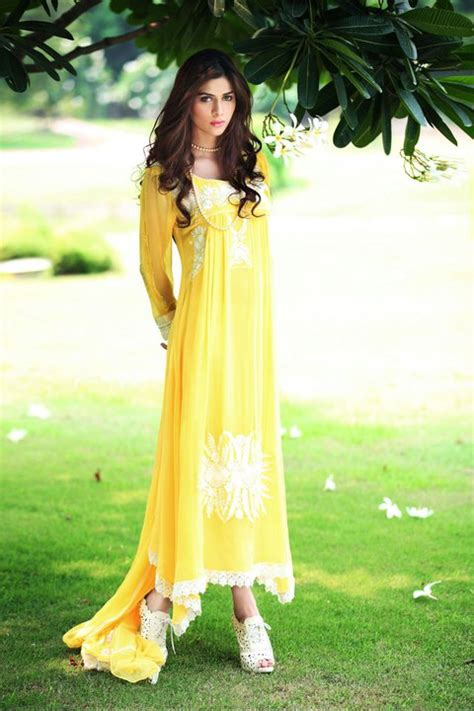 design clothes in pakistan pakistani fashion designers collection 2011 get designer
