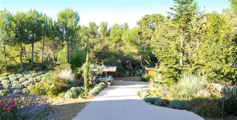 Jardin Paysager M Diterran En by Creation Jardin Mediterraneen Paul Maison Design