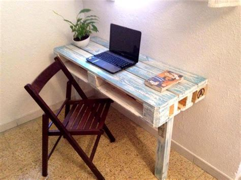 Pallet Coffee Table And Laptop Desk 99 Pallets Diy Laptop Desk