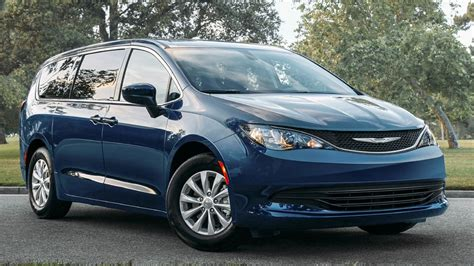Dodge Minivan 2020 by 2020 Chrysler Voyager Is A New Lower Cost Minivan