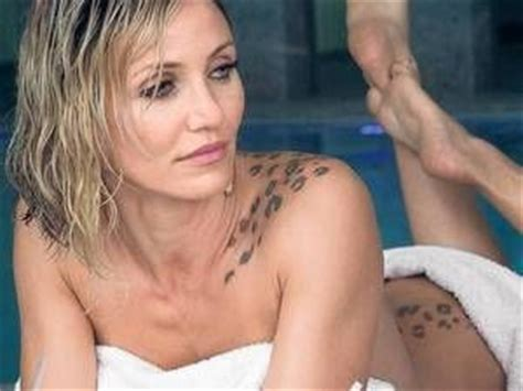 see cameron diazs terrifying back tattoo in new trailer cameron diaz tattoo in the counselor ʈ a ʈ ʈ oos