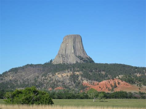 geology of devils tower national monument wyoming books file s tower national monument wyoming jpg
