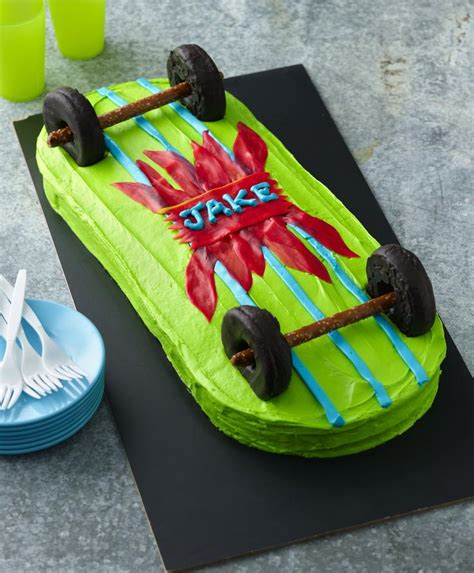 skateboard cake ideas  pinterest skateboard party easy boy birthday cake