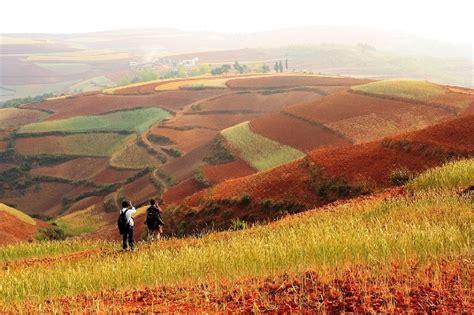 tierras rojas red curiosidades del mundo las asombrosas tierras rojas de dongchuan yunnan china