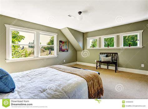 pareti verdi interni da letto con le pareti verdi ed il soffitto arcato