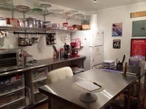Sweet Designs Kitchen Nana S Home Cake Studio Cake Room Studio Cake And Bakeries