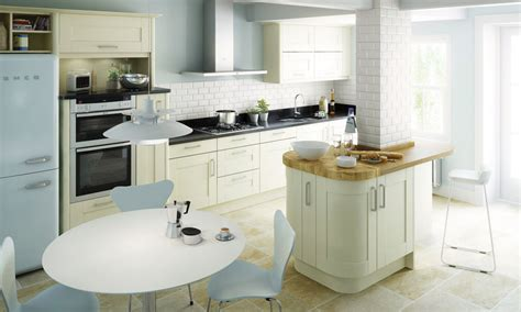 ivory kitchen ideas ivory fitted kitchens traditional contemporary kitchens