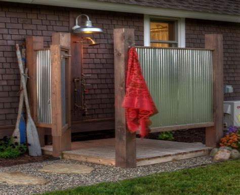 sichtschutz gartendusche mit dach gartenhaus bauen