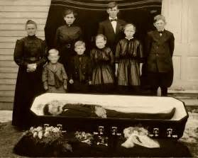 funeral etiquette what to wear what to do gentleman s