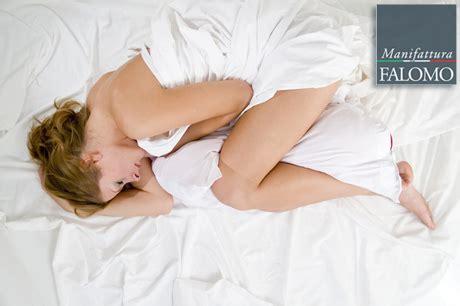 posizioni a letto per a pancia in su a pancia in gi 249 o di fianco