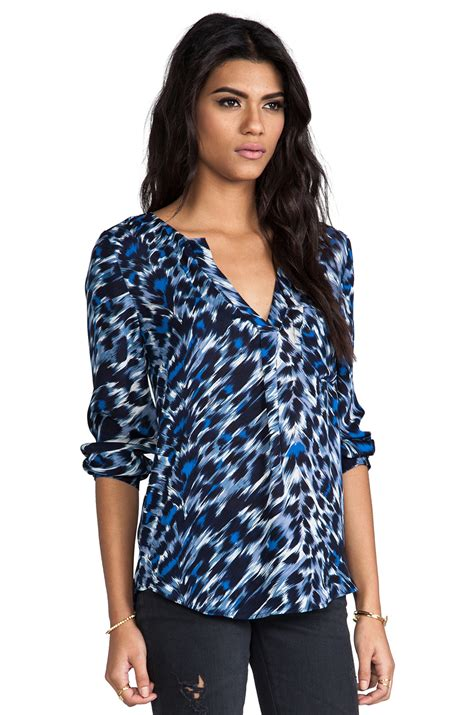 Blouse Wanita Navy Printed lyst joie deon animal print blouse in blue