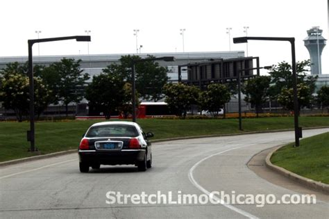 Airport Town Car by Chicago Town Car Service Limo Service