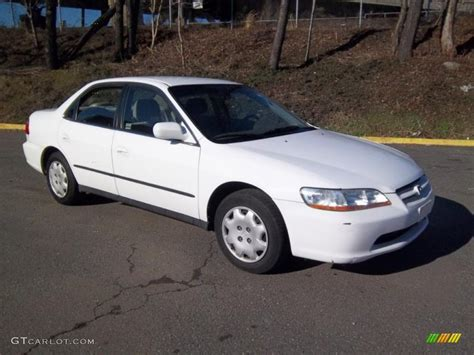 1998 honda accord white 1998 taffeta white honda accord lx sedan 46344912