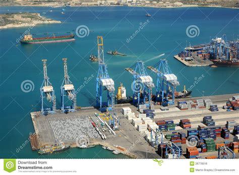 di commercio malta porto industriale di malta fotografia editoriale