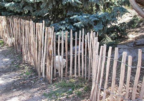 spaltholzzaun aus kastanienholz oder robinie