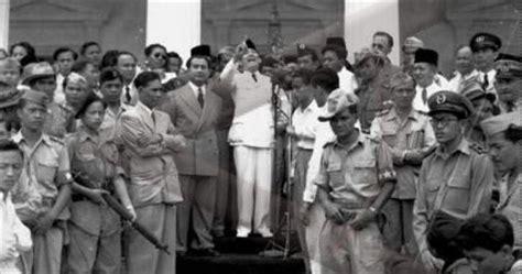 biografi kapitan pattimura menggunakan bahasa sunda perjuangan kemerdekaan bangsa indonesia menggunakan bahasa