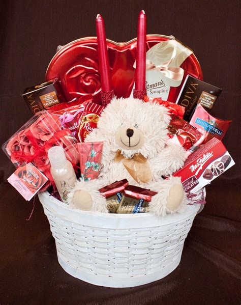 valentines basket ideas for 25 best ideas about baskets on