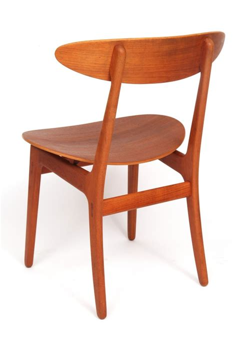 Staved Teak Table & Chairs   red modern furniture