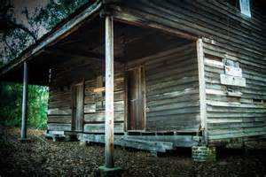 haunted houses in alabama these 10 creepy houses in alabama may be haunted