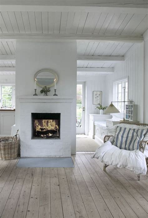 white home interiors best 25 white cottage ideas on cottages