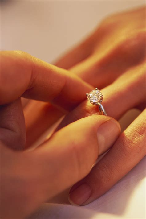 inexpensive engagement rings discount engagement rings