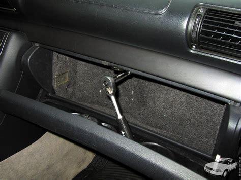 Audi A4 B6 Handschuhfachdeckel Ausbauen by B5 Gaskutsche De Endstufe In Einem Audi A4 B5 Verbauen