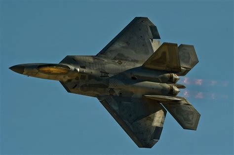 us to develop 6th generation fighters to outrun russian