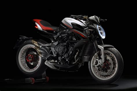 nuova augusta nuova mv agusta dragster 800 rr news moto motori net