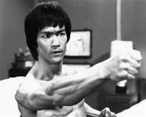 hit it rich fan page 10 interesting bruce lee facts you probably didn t know