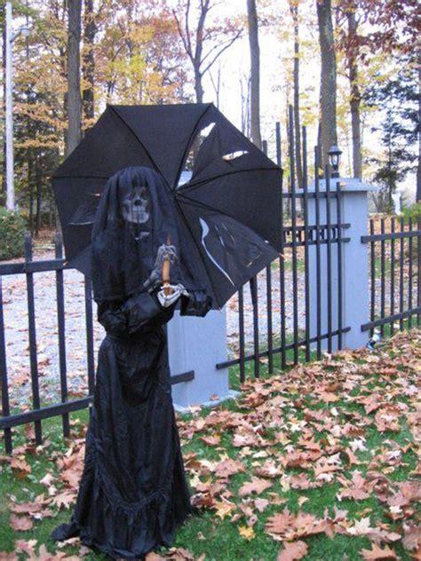 freaky  creepy halloween yard decorations house