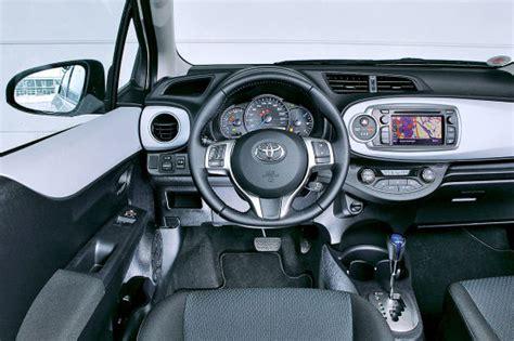 toyota yaris hybrid  kilometer dauertest autobildde