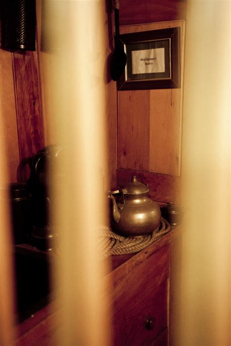 trapped in a room with a boston a tea kettle in a locked room clippix etc educational photos for students and teachers