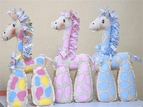 jirafa de manta para recuerdo baby shower souvenirs babies dolls and craft
