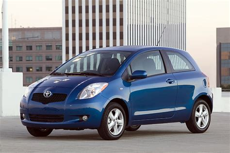 Cool Car With Mpg by 2008 Toyota Yaris Information And Photos Momentcar