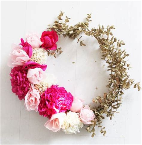 Diy Wreaths by 10 Paper Flower Wreaths You Can Diy