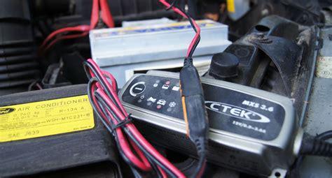 Motorrad Batterie Durch Fahren Laden starthilfe geben die autobatterie richtig 252 berbr 252 cken