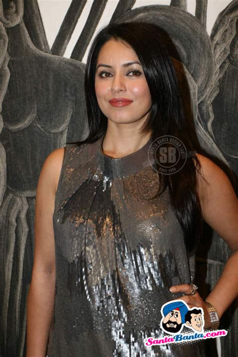 priyanka chopra ka english gane kiran chopra art exhibition mahima chaudhary picture