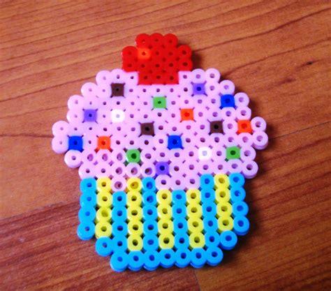cupcake perler pin cupcake perler bead pattern sprites food fuse patterns