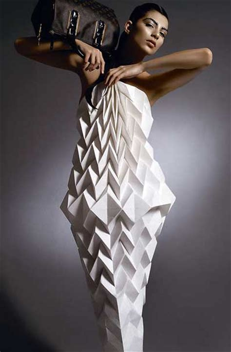 Folded Paper Dress - 1000 ideas about origami dress on paper