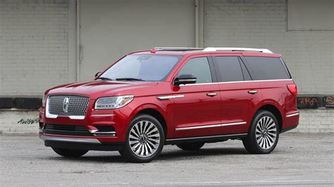lincoln navigator 2018 lincoln navigator drive large and in charge
