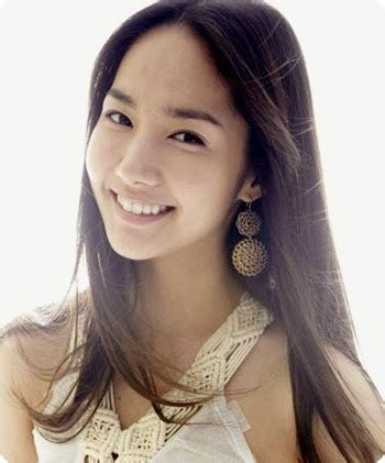 foto model rambut panjang lurus wanita korea terbaru