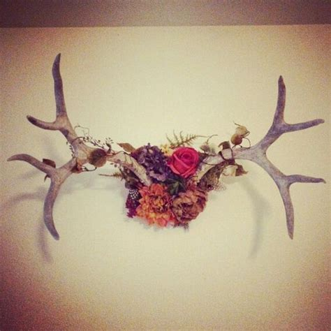 Deer Antler Wall Decor by 28 Cool Ways To Use Antlers In Home D 233 Cor Shelterness