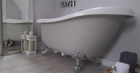 roll top bath in bedroom roll top bath painted with farrow ball blackened