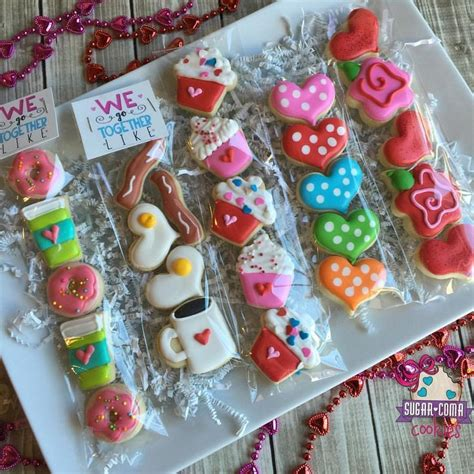 decorated cookie 25 best ideas about decorated sugar cookies on