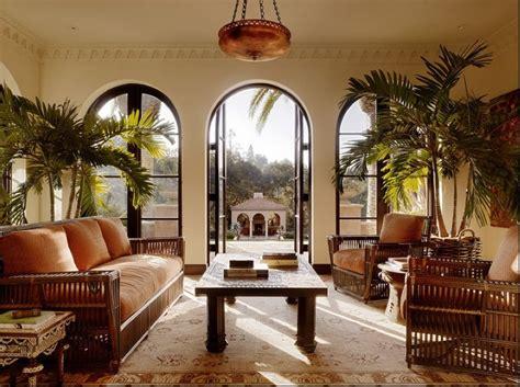 Colonial Style Windows Inspiration 绝对经典的东南亚风格装修客厅图片 土巴兔装修效果图