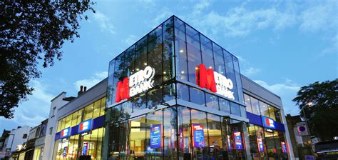 metro bank uk metro bank to open drive thru store business leader news